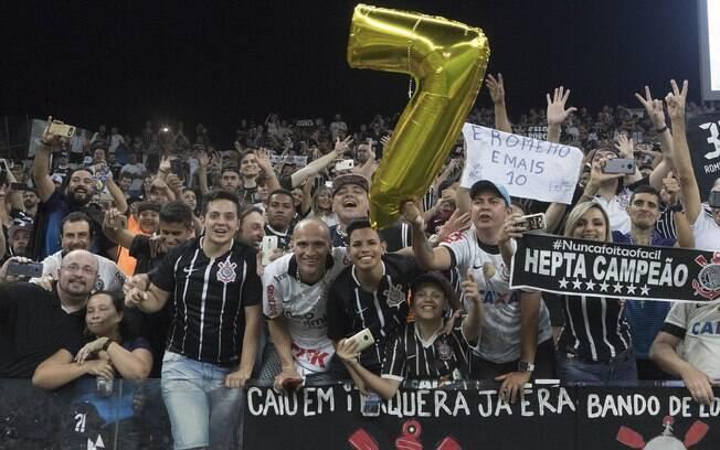 Sócios torcedores de 73 clubes brasileiros poderão alugar carros com desconto até o dia 20 de dezembro