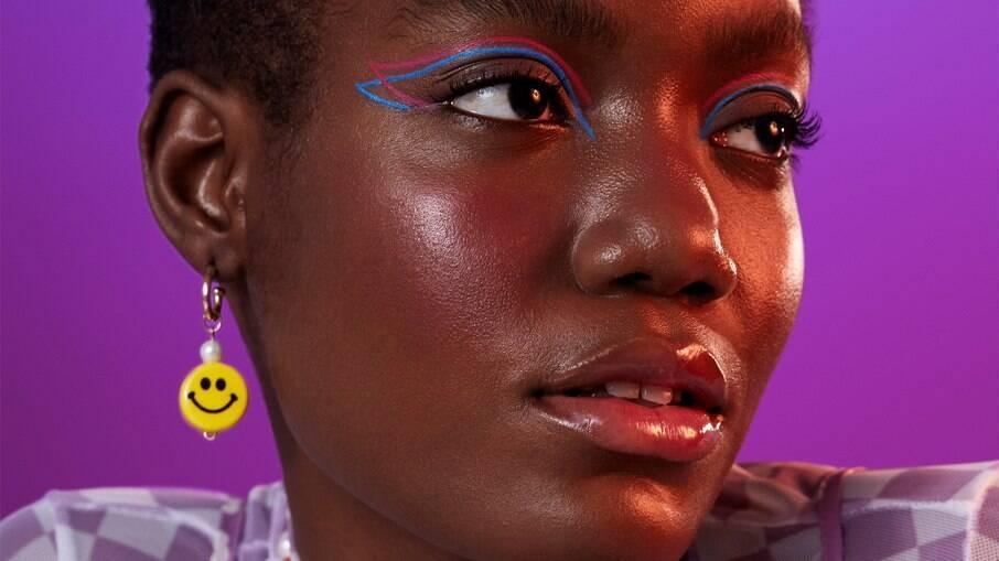 Confira quais são as novidades no mundo das maquiagens; na foto, modelo usa produtos da marca Frederika Make