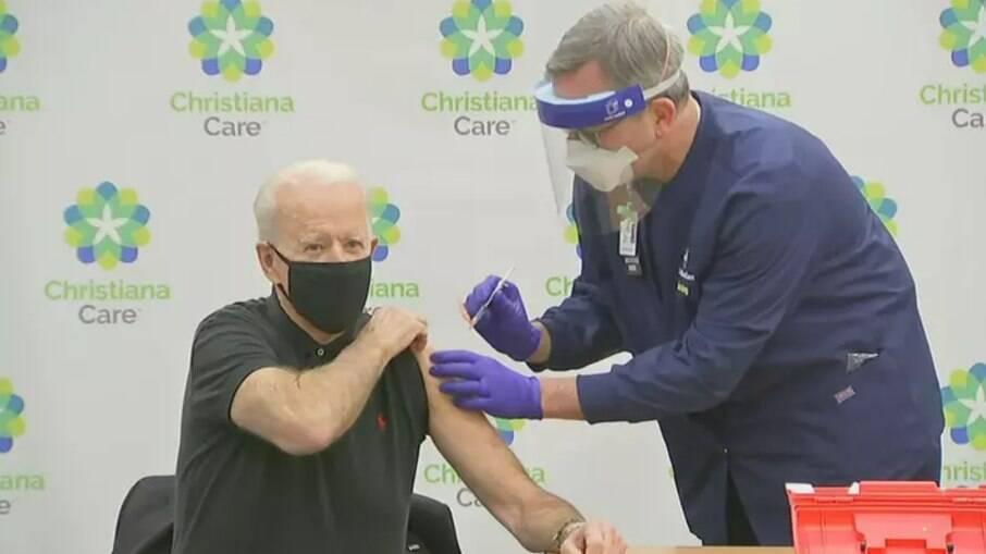 O presidente dos EUA, Joe Biden, já recebeu as duas doses da vacina da Pfizer
