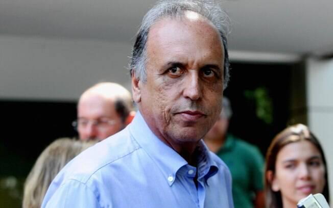 Luiz Fernando Pezão foi preso pela manhã no Palácio Laranjeiras e será transferido para sala de Estado Maior em Niterói