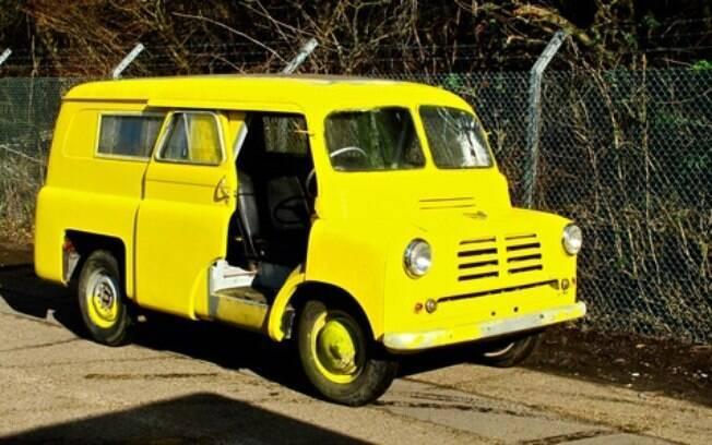 Bedford CA 1957 do filme A Senhora da Van