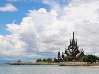 Templo de Phra Sri Rattana Satsadaram, no Norte da Tailândia