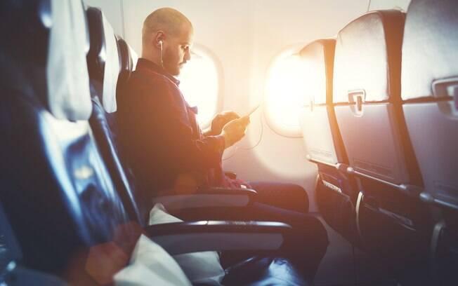 Pesquisa feita com amostras de voos no Canadá indica qual é o lugar mais sujo dentro de um avião; qual será?