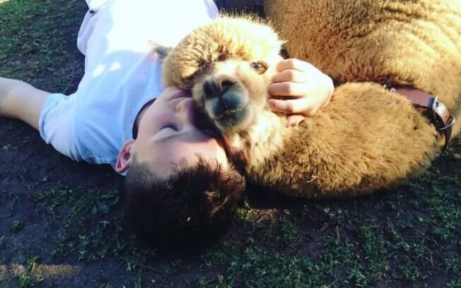 Matt e sua alpaca Chewy