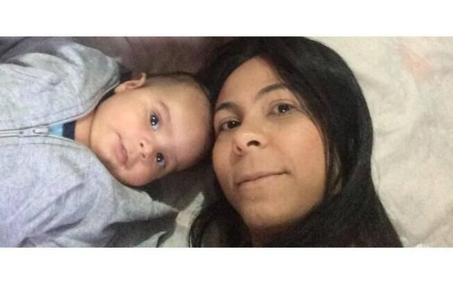 Thalita Souza, 23, é mãe solo e só conseguiu a primeira parcela do auxílio emergencial depois de mais de um mês de espera