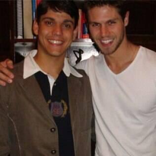 Jonas Sulzbach com o irmão Rafael, de 20 anos
