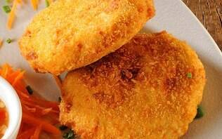 Bolinho de peixe com castanha e pimenta