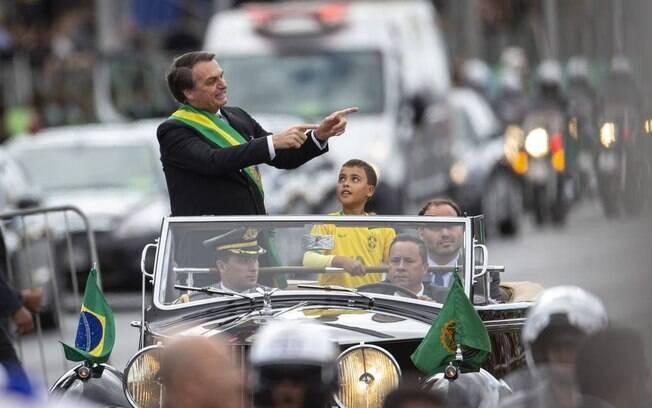 Bolsonaro quebra protocolos no desfile de 7 de setembro