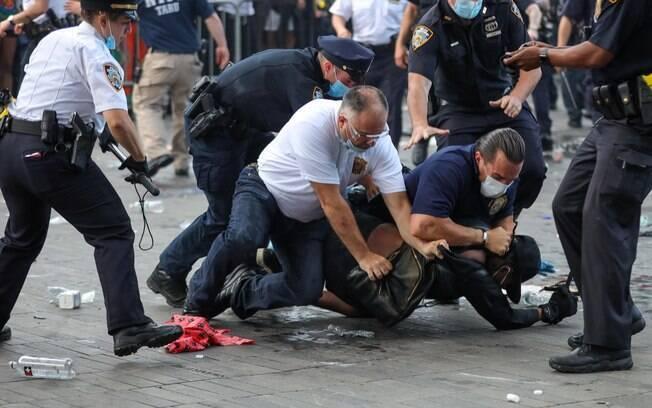 Nova York foi uma das cidades que teve manifestações nesta sexta-feira (29)