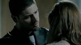 João beija Ísis, e Maria Clara procura Cristina