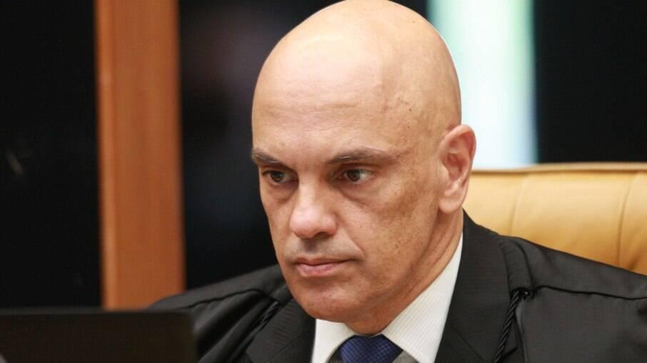 Alexandre de Moraes impõe bloqueio de conta de bolsonarista em rede social