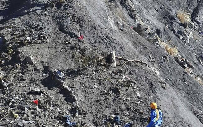 Corpos de vítimas de queda de avião começam a ser recuperados. (26/03/2015) . Foto: DICOM / Ministère de l'interieur/Fotos Públicas