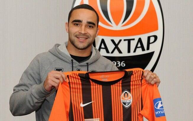 Ismaily, lateral brasileiro do Shakhtar Donetsk, foi chamado por Tite