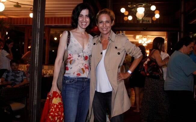 Fernanda Torres e Andréa Beltrão também marcaram presença para assistir ao primeiro episódio da nova temporada do programa