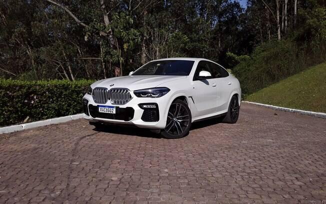 BMW X6 X Drive40i M Sport: cara de mau não é mero acaso. O SUV com ares de cupê tem desempenho de tirar o fôlego