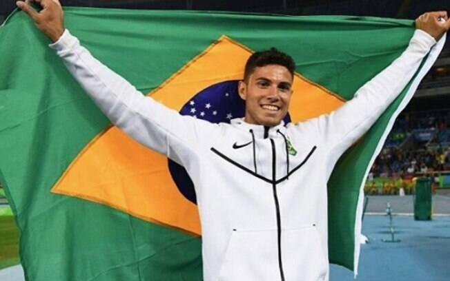 Campeão olímpico Thiago Braz