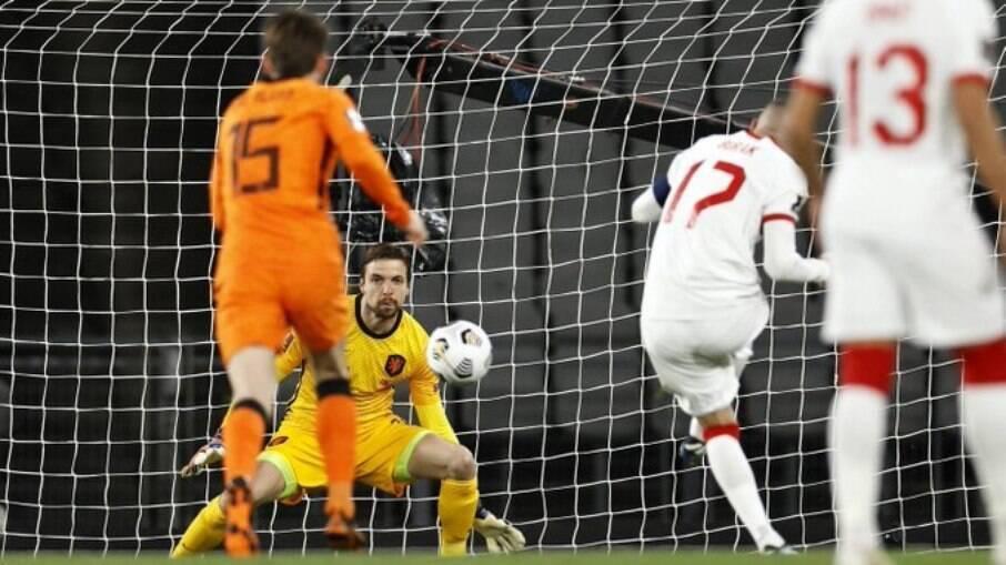 Turquia venceu a Holanda por 4 a 2