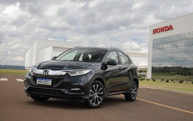 Novas rodas e faróis de neblina redesenhados estão presentes nas versões EXL e Touring do Honda HR-V 2021