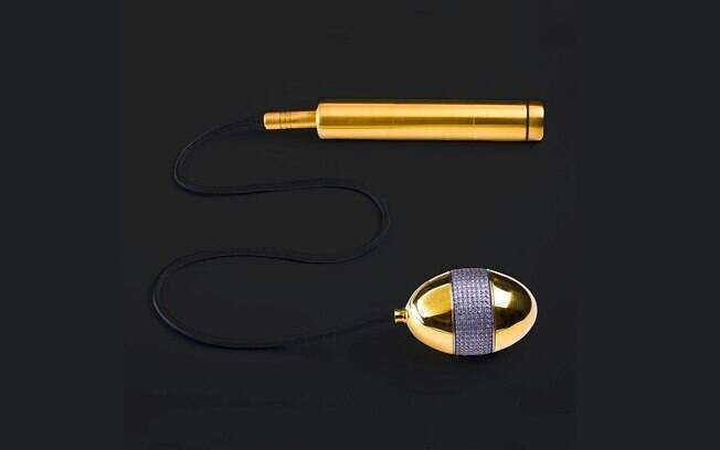 Além de ser feito de ouro e diamantes, este ovo vibratório acompanha um controle que também é de ouro