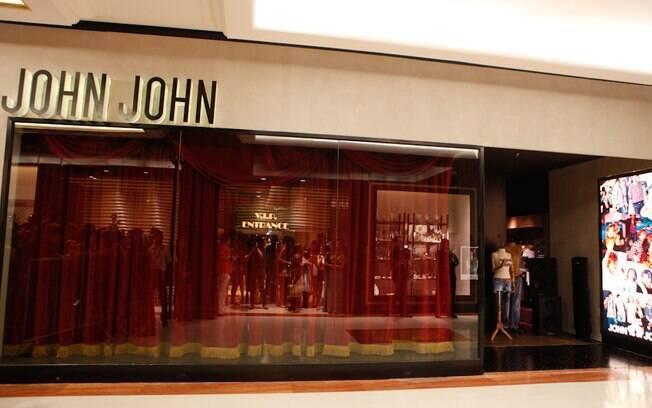 39752cd77b5 A grife brasileira de jeansweare John John tem loja de 204 m² desenhada  pela arquiteta Fernanda