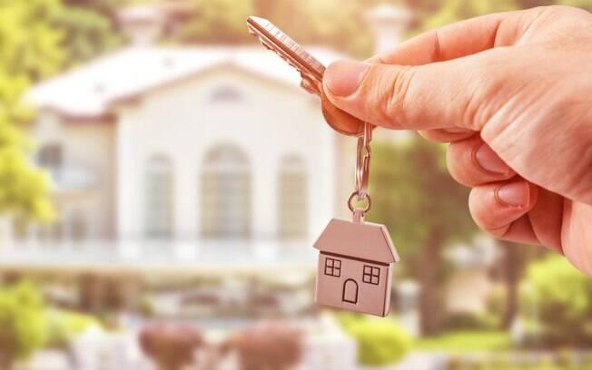 4 melhores investimentos em renda fixa para juntar dinheiro e comprar uma casa própria