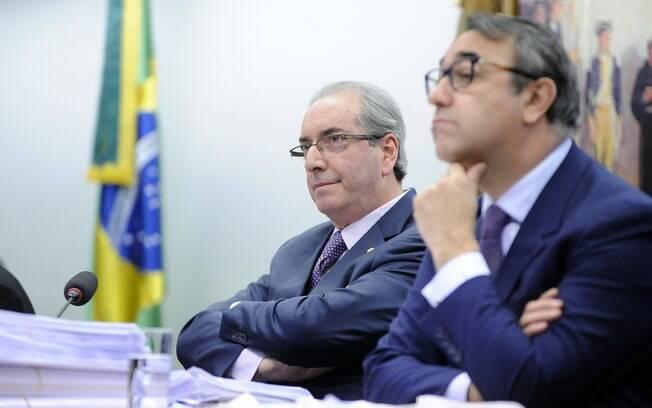 Eduardo Cunha ao lado de seu advogado, Marcelo Nobre; defesa do peemedebista sempre negou acusações
