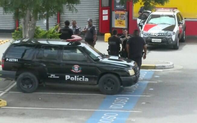 Tentativa de assalto a carro-forte terminou com um criminoso morto, na rodovia Raposo Tavares