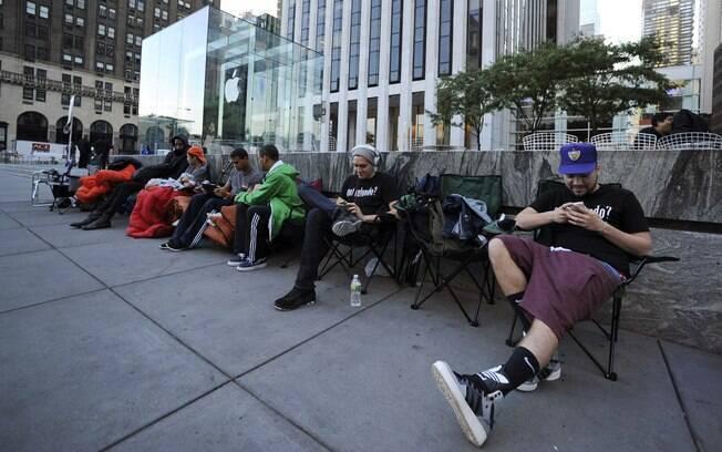 Loja de Nova York já tem fila para comprar iPhone 5