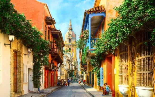 O centro histórico de Cartagena de Índias, na Colômbia, é colorido e muito bonito