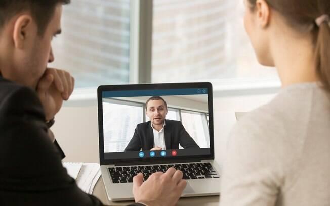 Entrevista de emprego por vídeo