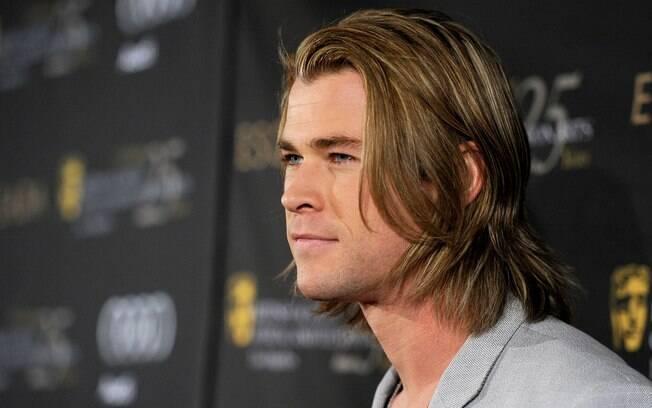 """Ator De Thor: Que Ator Deve Viver Christian Grey No Filme De """"Cinquenta"""
