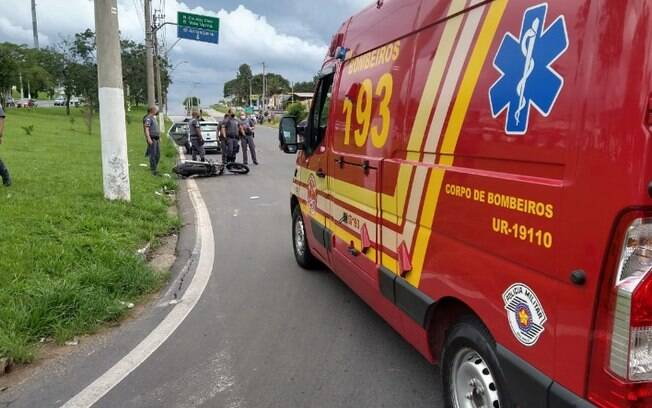 Motociclista de 26 anos morre após bater em poste em Valinhos