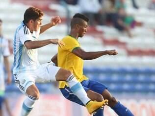 Clássico Brasil-Argentina foi bastante truncado, com poucas chances para ambas as equipes