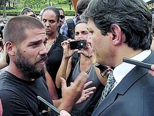 Encontro,  Morador da Favela do Moinho cobra de Haddad  promessas de campanha