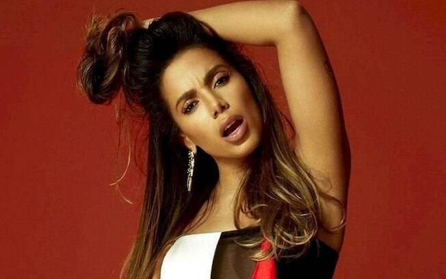 Anitta gravou novo clipe no Piscinão de Ramos