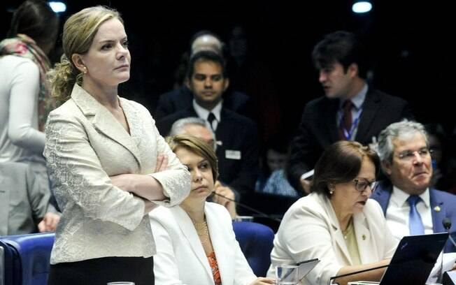 Senadora Gleisi Hoffmann (PT-PR) rebateu as críticas de Ana Amélia afirmando que a senadora do PP foi xenófoba