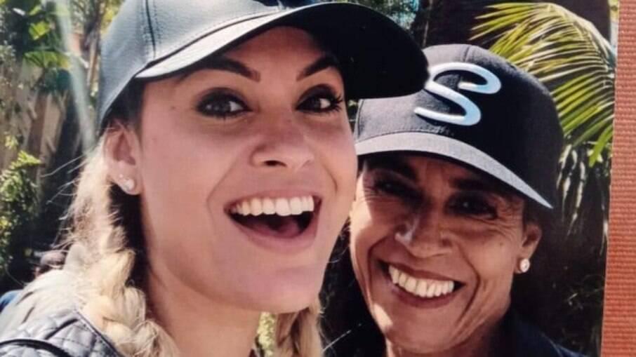 Sarah Andrade e sua mãe, Maria Abadia