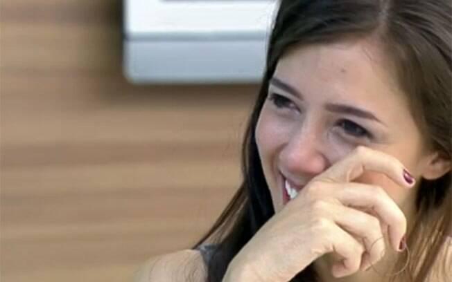 Atriz Marjorie Estiano chora com o depoimento de Jesuela, a pequena Julia de
