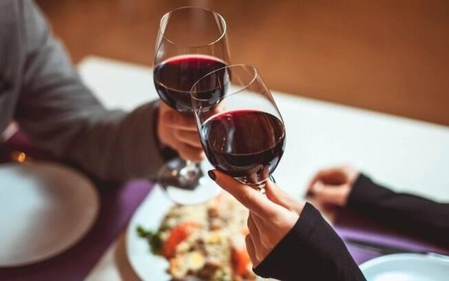 4 dicas de harmonização entre vinhos e pratos salgados para o outono