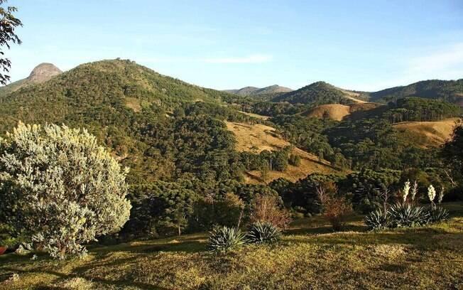 Fazer trilhas pela Serra da Mantiqueira é alternativa para quem deseja fugir da badalação do Carnaval