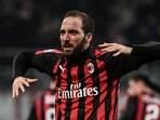 2ff6eab267 Chelsea acerta empréstimo de Higuaín e Milan quer polonês para vaga