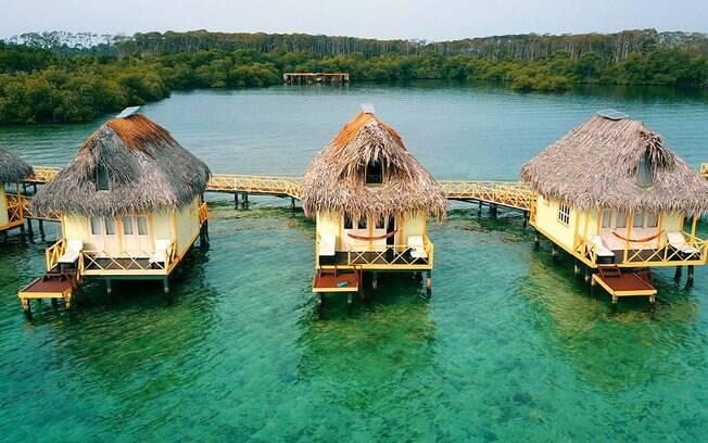 Punta Caracol Acqua Lodge é um dos hotéis de luxo. Por lá, o viajante encontra águas cristalinas e pode relaxar; veja
