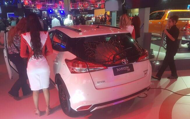 Toyota Yaris com detalhes exclusivos chega às lojas em fevereiro de 2019, mas já está no Salão do Automóvel 2018