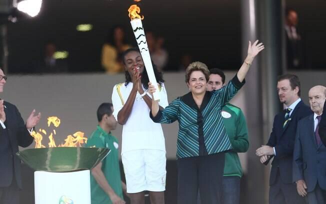 Dilma durante a cerimonia de acendimento da tocha olímpica