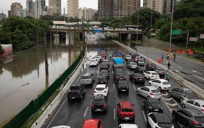 São Paulo terá dia de calor e chuva