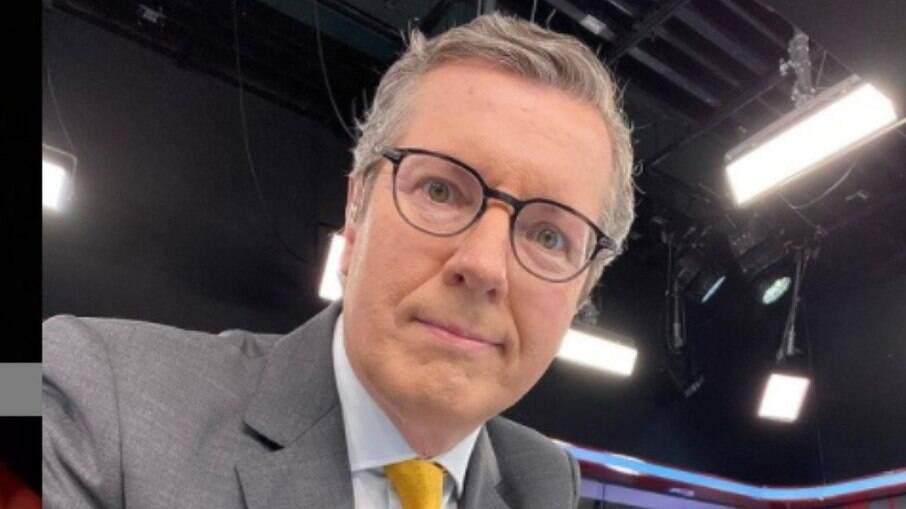 Márcio Gomes se posiciona em nome da CNN em relação à critica do presidente