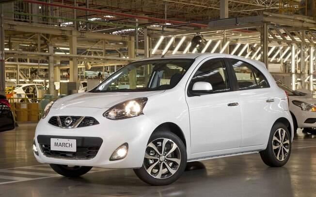 Nissan March 1.6 SL CVT é um entre os hatches compactos automáticos mais econômicos, apesar do tanque pequeno