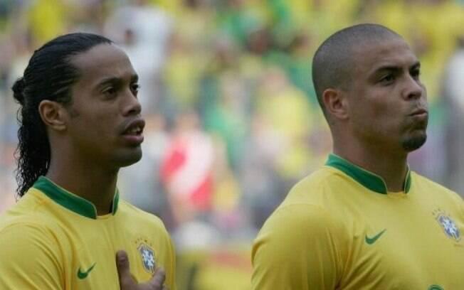 Ronaldinho Gaúcho e Ronaldo antes de partida  da Copa 2006