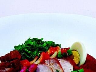 Prato com lombo fatiado e tutu de feijão roxinho é uma das novidades no self service do restaurante Maria das Tranças