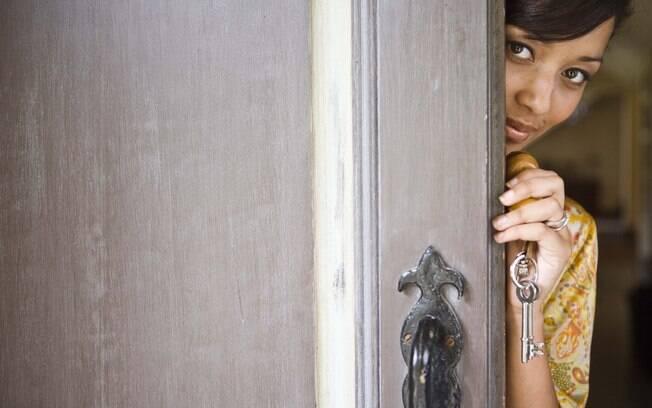 Existem várias maneiras de diminuir a timidez; ou, ao menos, aprender a conviver com ela